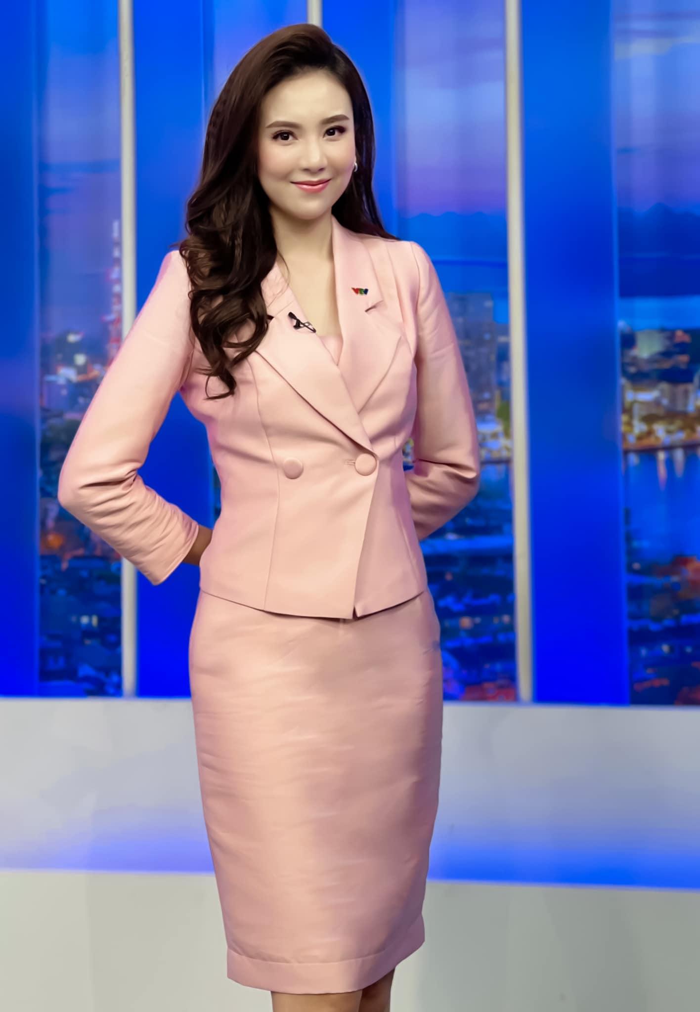 MC Mai Ngọc: Ưu điểm nhan sắc và khuyết điểm makeup nên cẩn trọng khi học theo - Ảnh 1.