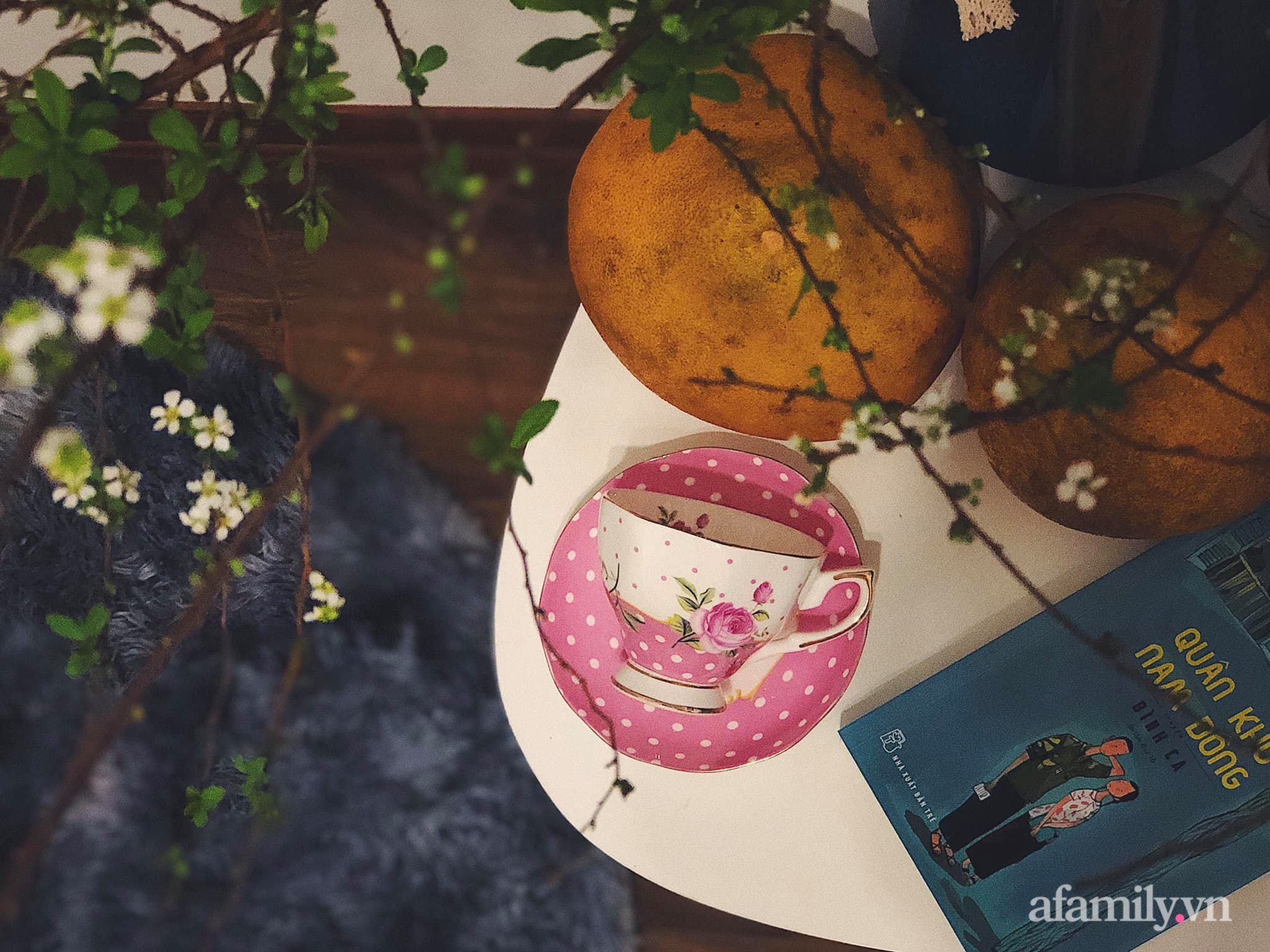 Mẻ đảm Hà Nội khéo mang Tết vào tổ ấm đẹp duyên dáng với gốm và hoa - Ảnh 11.