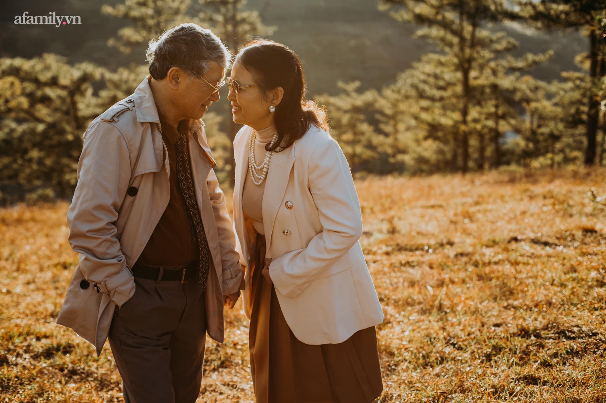 """Bộ ảnh kỉ niệm 47 năm ngày cưới càng ngắm càng thấy """"tình"""" của cặp đôi U80 tại Đà Lạt, khiến ai cũng ước ao có một tình yêu trọn đời ngát xanh - Ảnh 6."""