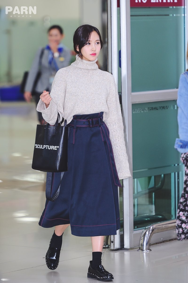 """Quả đúng là tiểu thư gia thế khủng, Mina (TWICE) mặc toàn đồ đơn giản cũng tỏa khí chất """"lá ngọc cành vàng"""" nhìn mà mê  - Ảnh 2."""