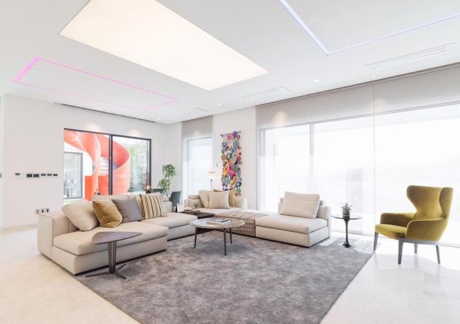 Penthouse mới giá gần 100 tỷ của Hyun Bin gây choáng ngợp vì độ sang chảnh - Ảnh 3.