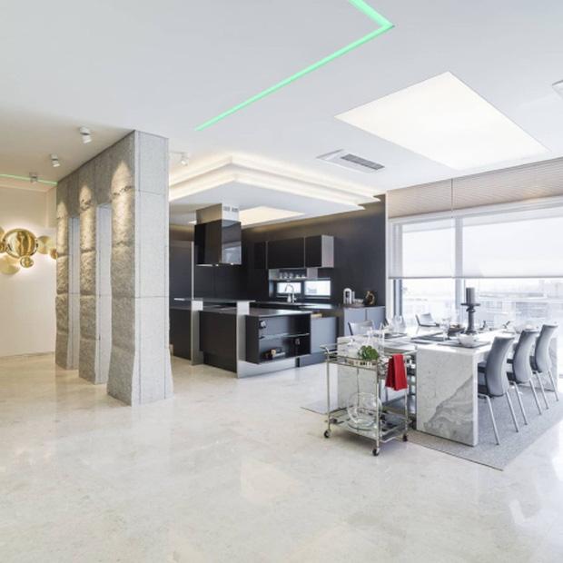 Penthouse mới giá gần 100 tỷ của Hyun Bin gây choáng ngợp vì độ sang chảnh - Ảnh 4.