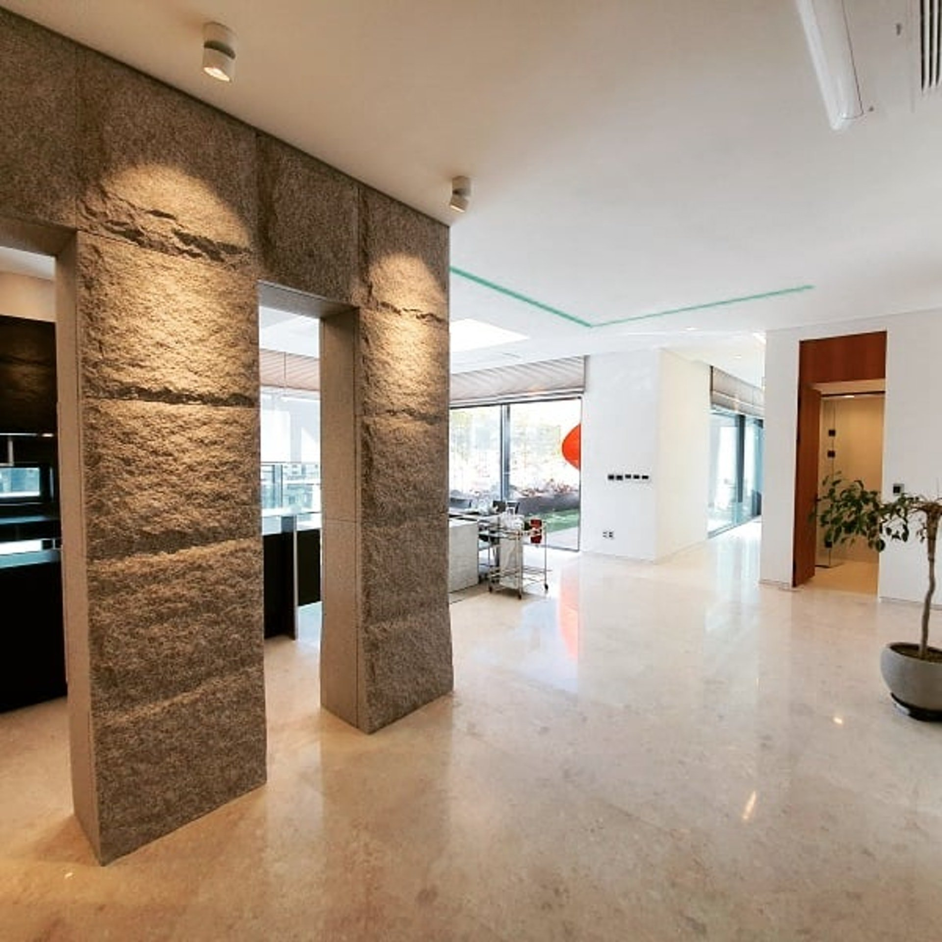 Penthouse mới giá gần 100 tỷ của Hyun Bin gây choáng ngợp vì độ sang chảnh - Ảnh 9.