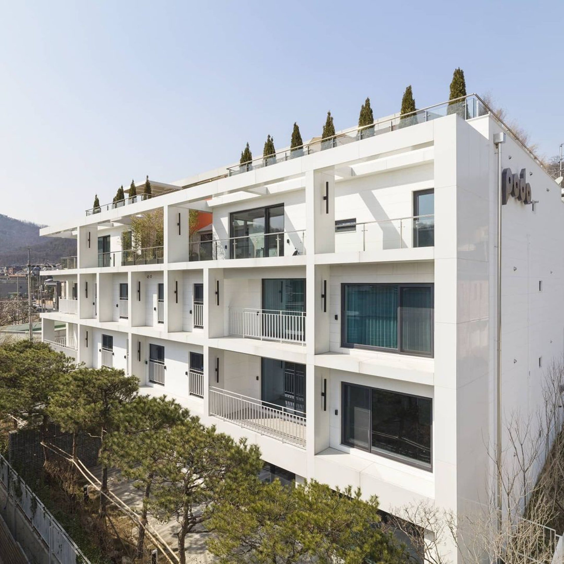Penthouse mới giá gần 100 tỷ của Hyun Bin gây choáng ngợp vì độ sang chảnh - Ảnh 2.