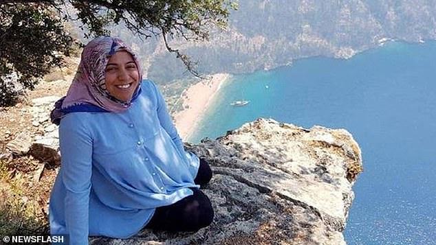 Vợ ôm bụng bầu chụp hình ở vách núi mà chẳng nhận ra nụ cười nham hiểm của gã chồng tàn độc trước khi bị xô ngã đến chết - Ảnh 2.