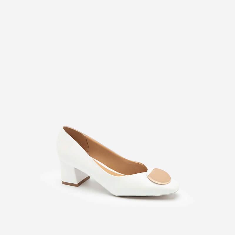 """Kiểu giày dễ """"quê kiểng"""" nhưng Hà Hồ diện lên lại """"max sang"""", chị em nào cũng muốn mua theo - Ảnh 12."""