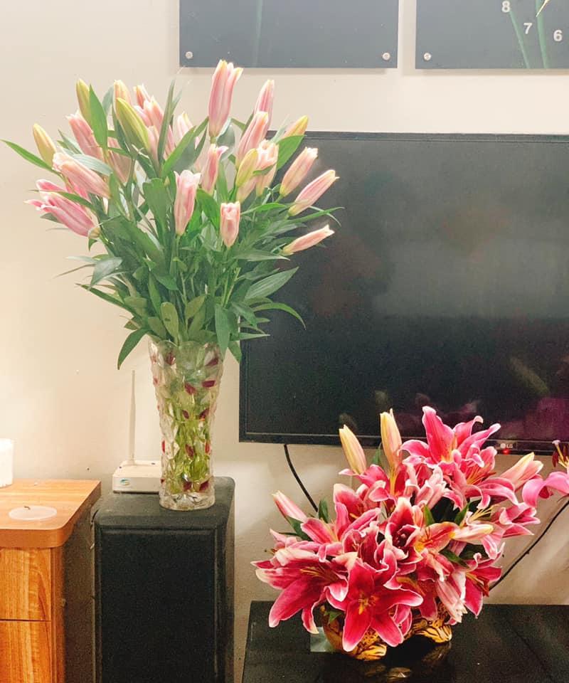 Giá hoa rẻ chưa từng có, chị em nô nức khoe bình hoa để bàn đẹp lộng lẫy mà giá chỉ từ 10.000 đồng - Ảnh 7.
