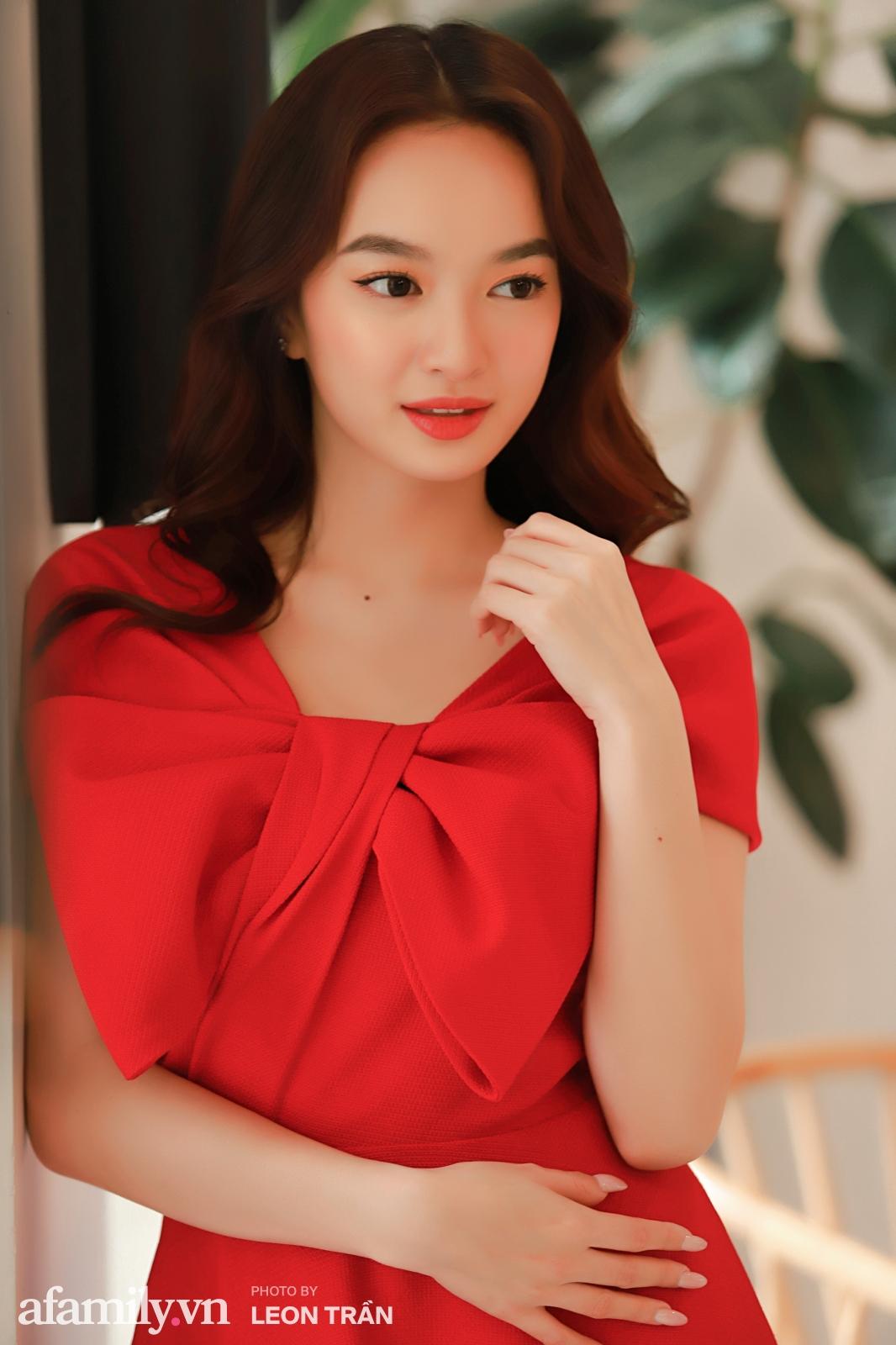 """Kaity Nguyễn: Tuổi 21 đã sở hữu công ty riêng, mẫu bạn trai lý tưởng là """"tình trẻ tin đồn"""" của Trương Ngọc Ánh - Ảnh 6."""