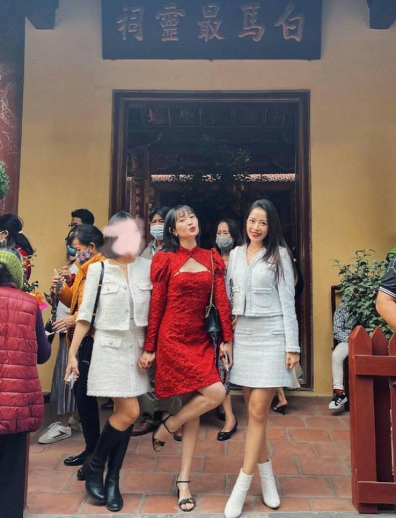 Không chỉ có Minh Tú, Chi Pu chọn đồ đi chùa không phù hợp, nhiều sao Việt cũng nhận mưa gạch đá từ netizen vì vấn đề này - Ảnh 1.