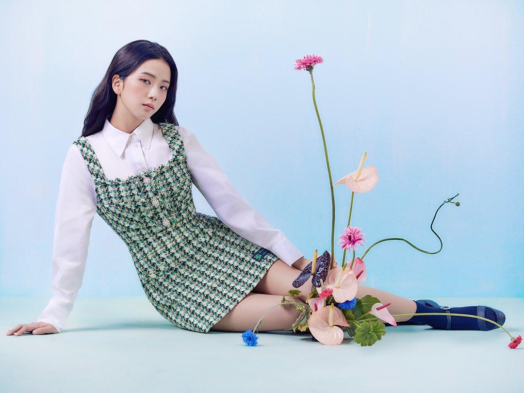 """""""Nữ thần mùa Xuân"""" gọi tên Jisoo: Hay bị chê nhạt nhất nhóm nhưng giờ làm mẫu thời trang sang như tiểu thư tài phiệt - Ảnh 4."""