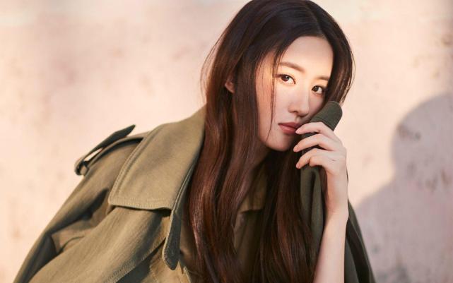 """Những mỹ nữ """"sự nghiệp thăng hoa, tình duyên bết bát"""" của Cbiz: Dương Tử chốt sổ, người ở vị trí số 1 xinh đẹp tới mức cả Châu Á đều ca tụng  - Ảnh 1."""