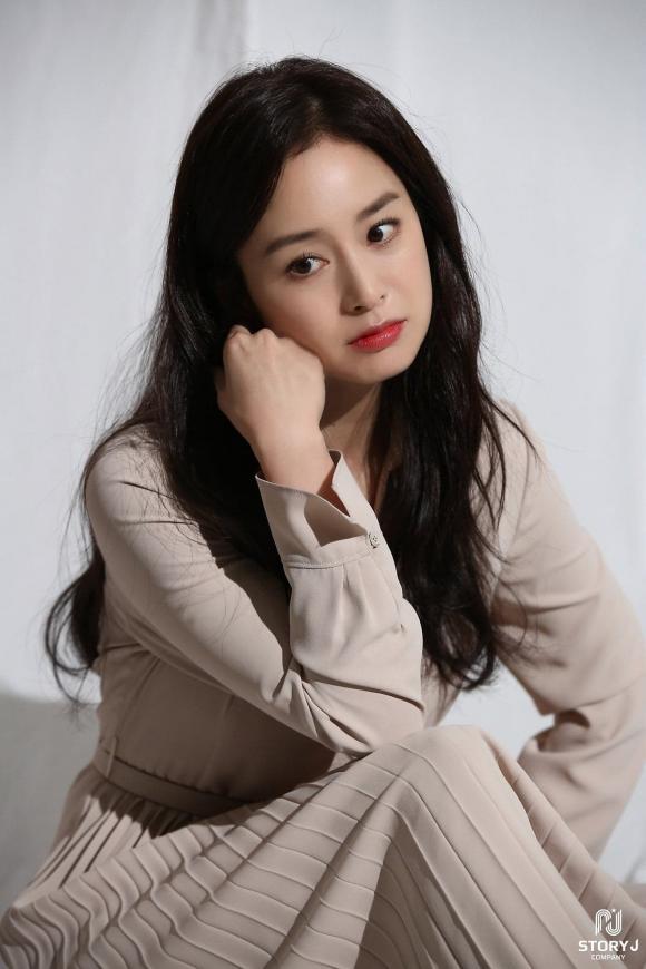 Bị chê lên chê xuống vì nhan sắc xuống dốc, Kim Tae Hee đã có sự lột xác bất ngờ - Ảnh 3.