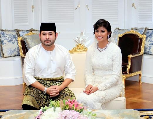 """Thái tử phi """"vạn người mê"""" của Malaysia: Nhan sắc hoàn mỹ khiến ai cũng xao xuyến cùng câu chuyện cổ tích """"yêu em từ cái nhìn đầu tiên"""" - Ảnh 3."""