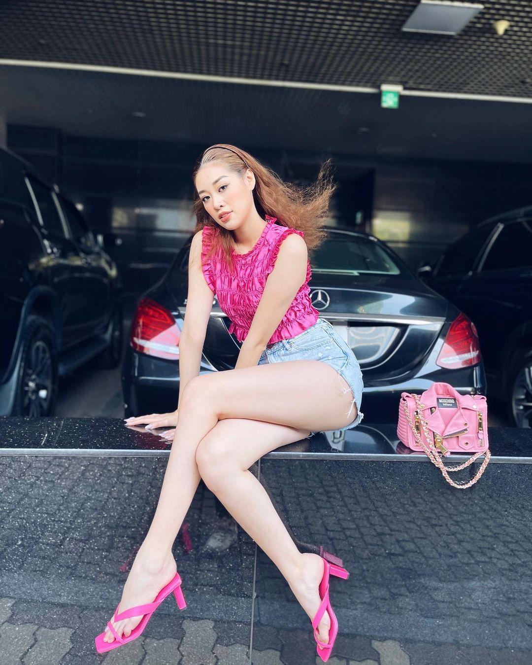 Instagram look của sao Việt sau Tết: Nhã Phương khoe da trắng muốt, Kỳ Duyên và Tóc Tiên sexy bỏng mắt - Ảnh 5.