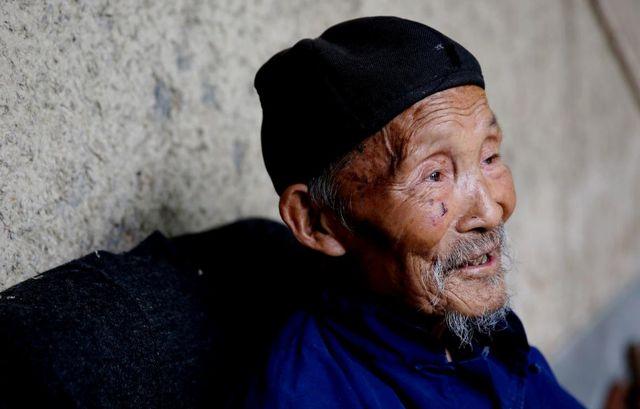 Cụ già 102 tuổi cả đời không bị loãng xương, bí quyết của cụ gói gọn trong 3 điều, làm đúng tự nhiên sẽ sống lâu hơn - Ảnh 2.