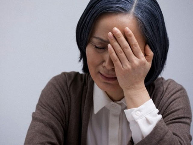 Thấy vợ than trời mâm cơm cữ đạm bạc, chất vấn mẹ thì bà khổ sở giải thích, nhưng nghe xong khiến tôi giận run người - Ảnh 2.