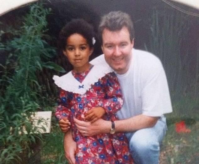 Cặp vợ chồng da trắng sinh ra con gái da đen khiến đứa trẻ bị bắt nạt cả quãng đời tuổi thơ, mãi đến khi người chồng qua đời sự thật mới được hé lộ - Ảnh 6.