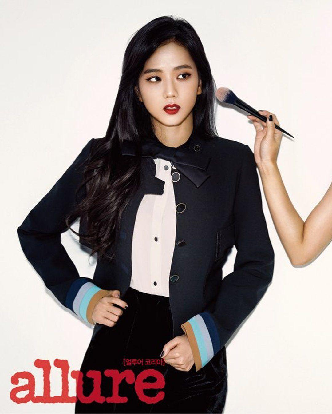 Jisoo tỏa sáng khí chất tổng tài khi diện áo blazer đen, khác hẳn style ngọt ngào ngày thường - Ảnh 8.