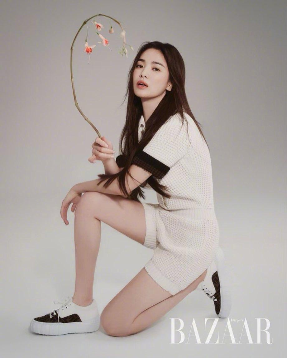 Song Hye Kyo chứng minh thần thái ngày càng lên hương, đồ khó mấy cũng có thể cân đẹp - Ảnh 4.