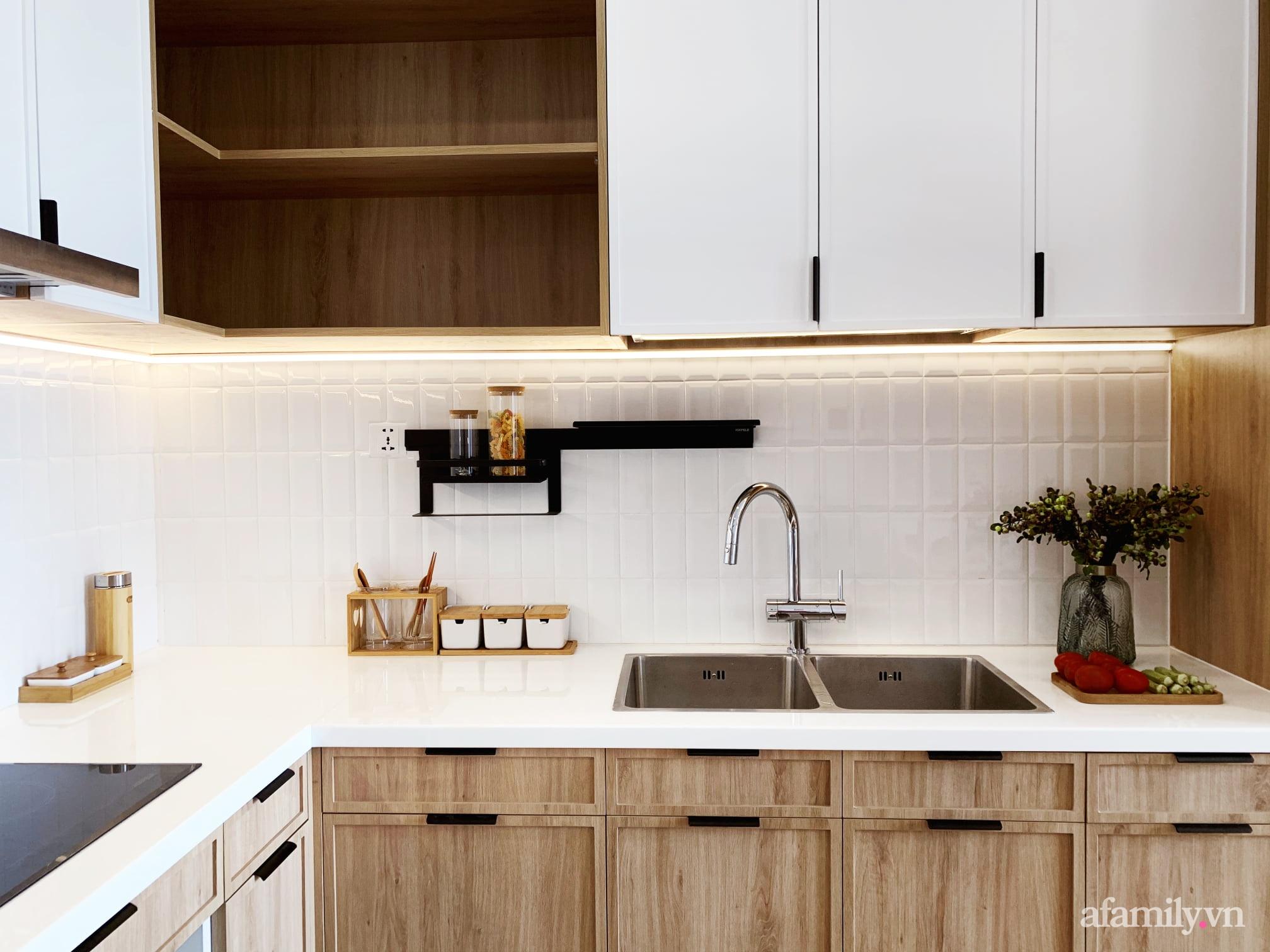 Căn hộ 72m² cực ít đồ đạc vẫn đẹp tinh tế và tiện dụng nhờ thiết kế nội thất thông minh ở Sài Gòn - Ảnh 5.
