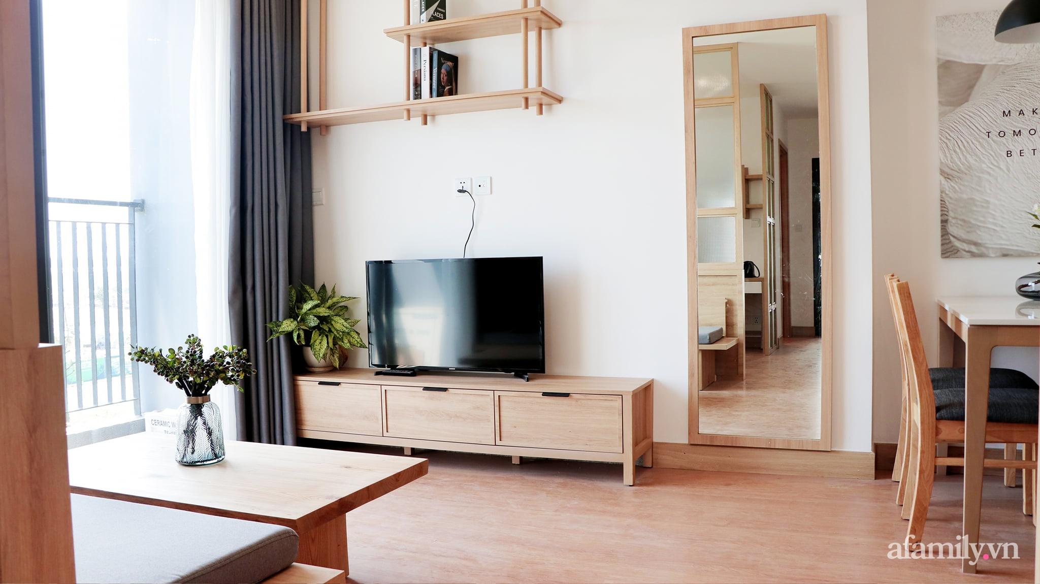 Căn hộ 72m² cực ít đồ đạc vẫn đẹp tinh tế và tiện dụng nhờ thiết kế nội thất thông minh ở Sài Gòn - Ảnh 1.