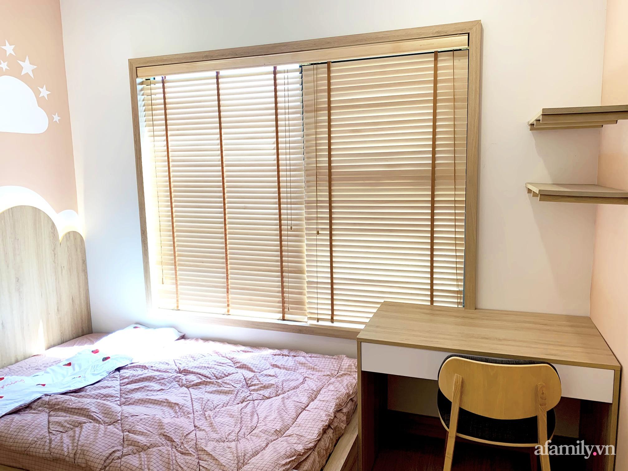 Căn hộ 72m² cực ít đồ đạc vẫn đẹp tinh tế và tiện dụng nhờ thiết kế nội thất thông minh ở Sài Gòn - Ảnh 12.