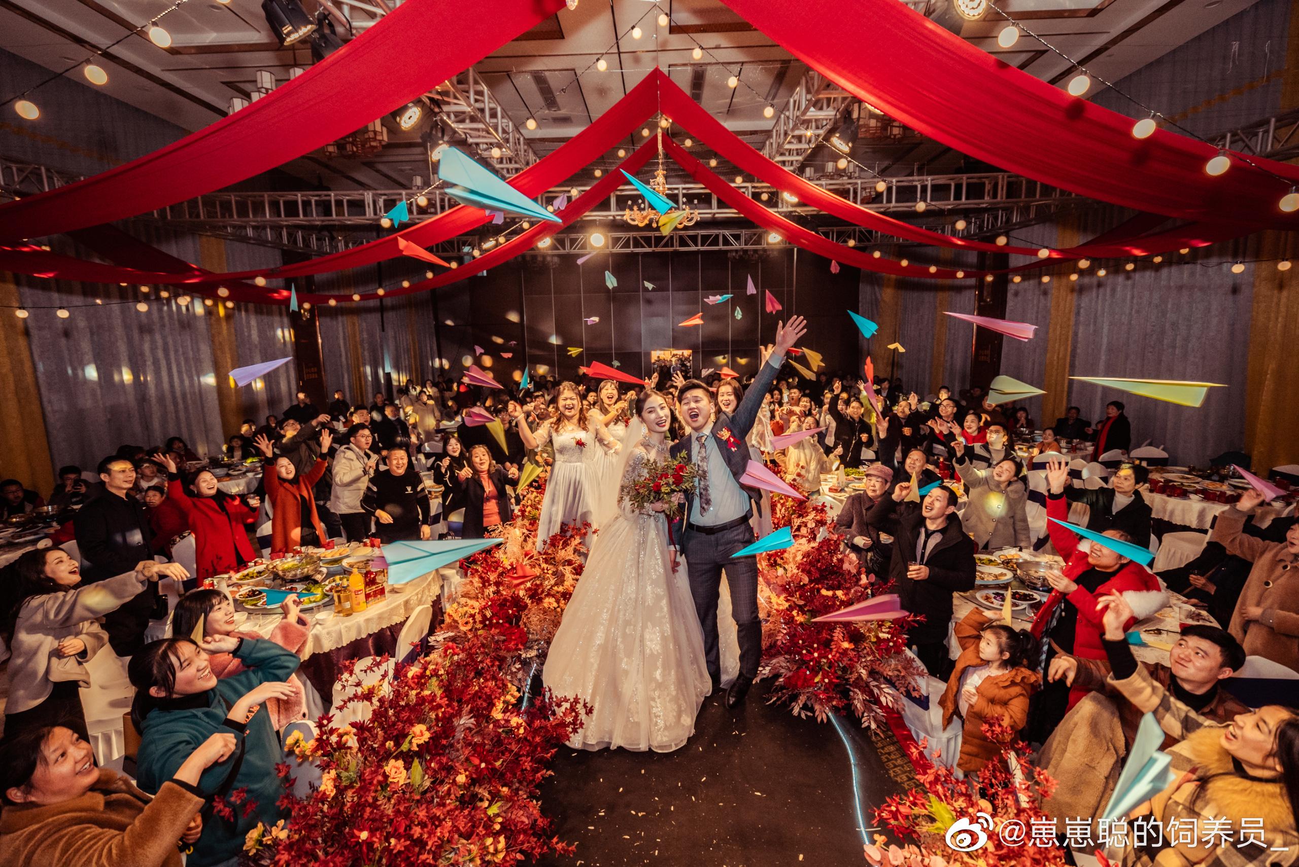 Hai bên cùng cưới - trào lưu kết hôn như ly hôn ở Trung Quốc: Cuộc sống nhân đôi, giới trẻ giãy giụa trong vũng lầy tham vọng của gia đình - Ảnh 1.