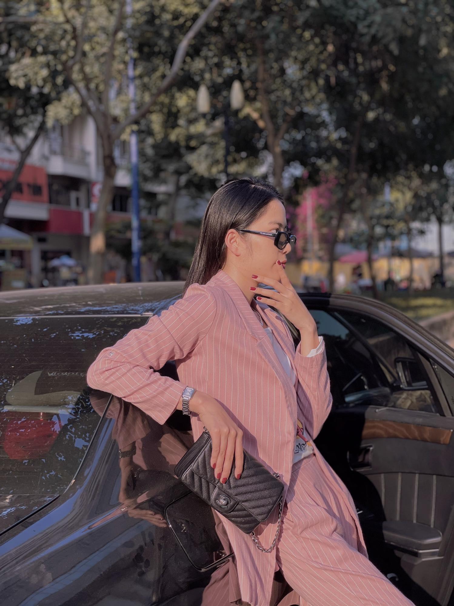Chị em Nam Anh - Nam Em ngay càng chịu chi: Street style đơn giản mà bóc giá cả loạt đồ hiệu xa xỉ - Ảnh 5.