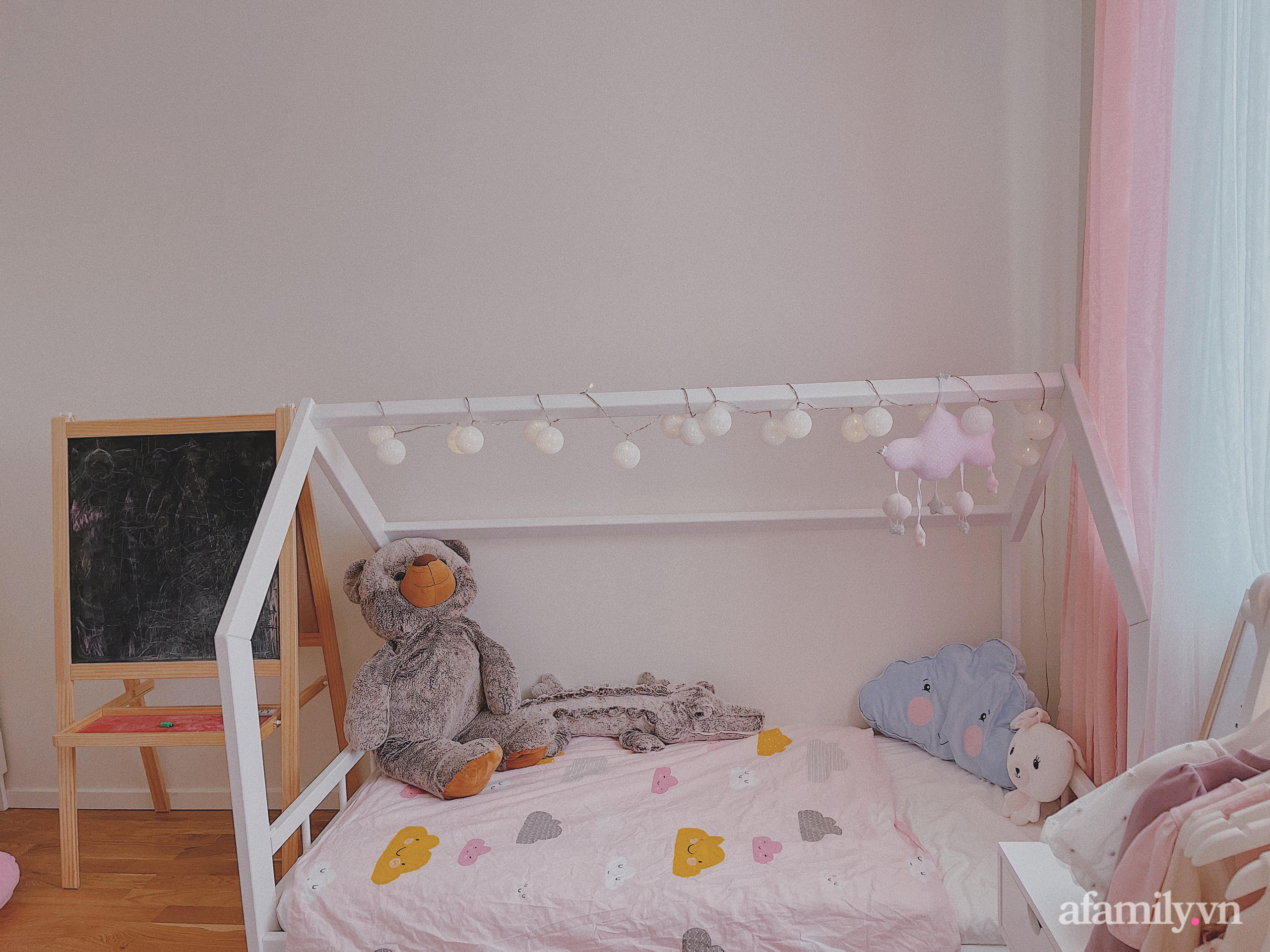 """Căn phòng màu hồng ngọt ngào """"lịm tim"""" bố mẹ thiết kế dành tặng con gái 3 tuổi - Ảnh 5."""