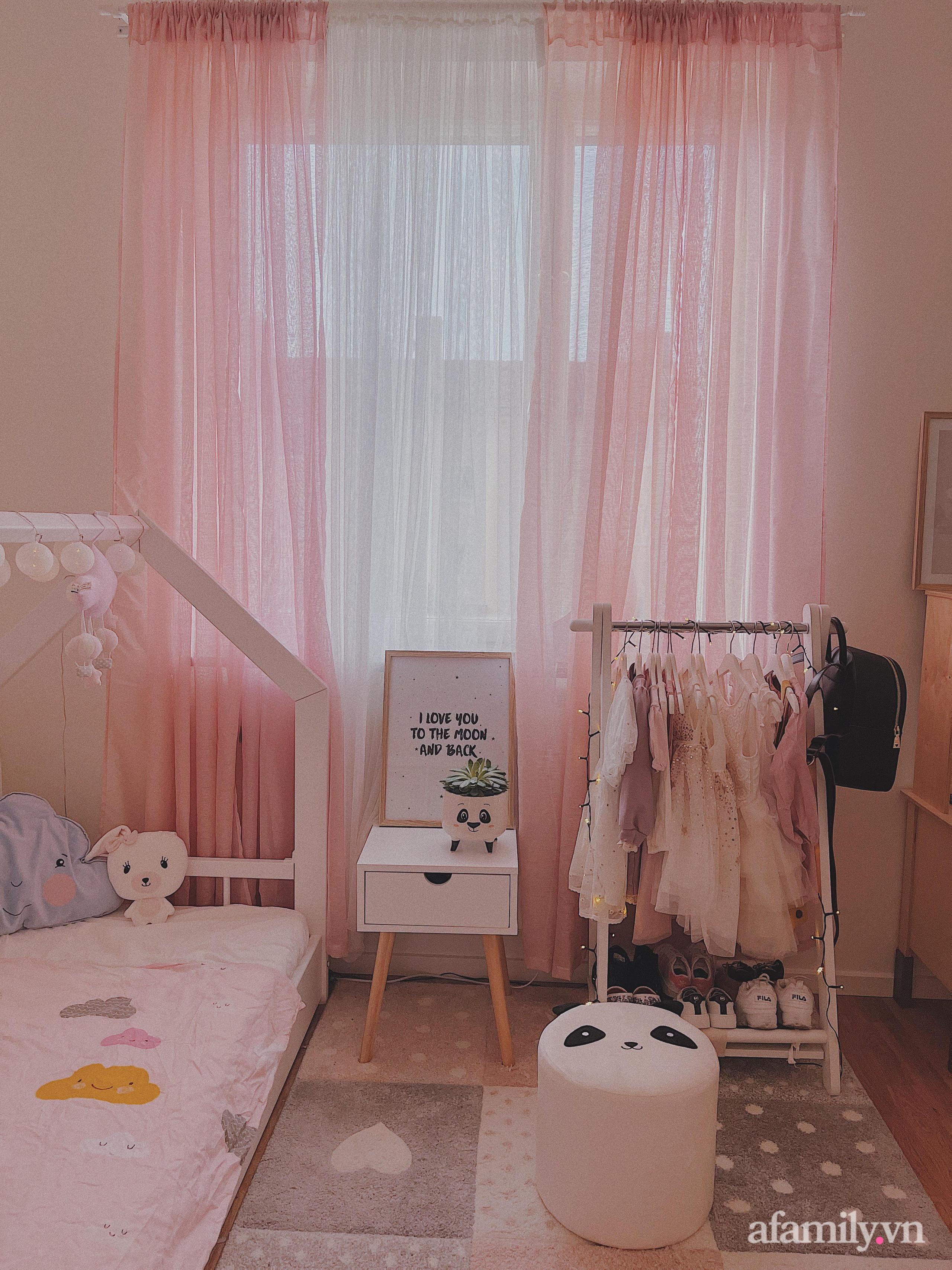 """Căn phòng màu hồng ngọt ngào """"lịm tim"""" bố mẹ thiết kế dành tặng con gái 3 tuổi - Ảnh 10."""