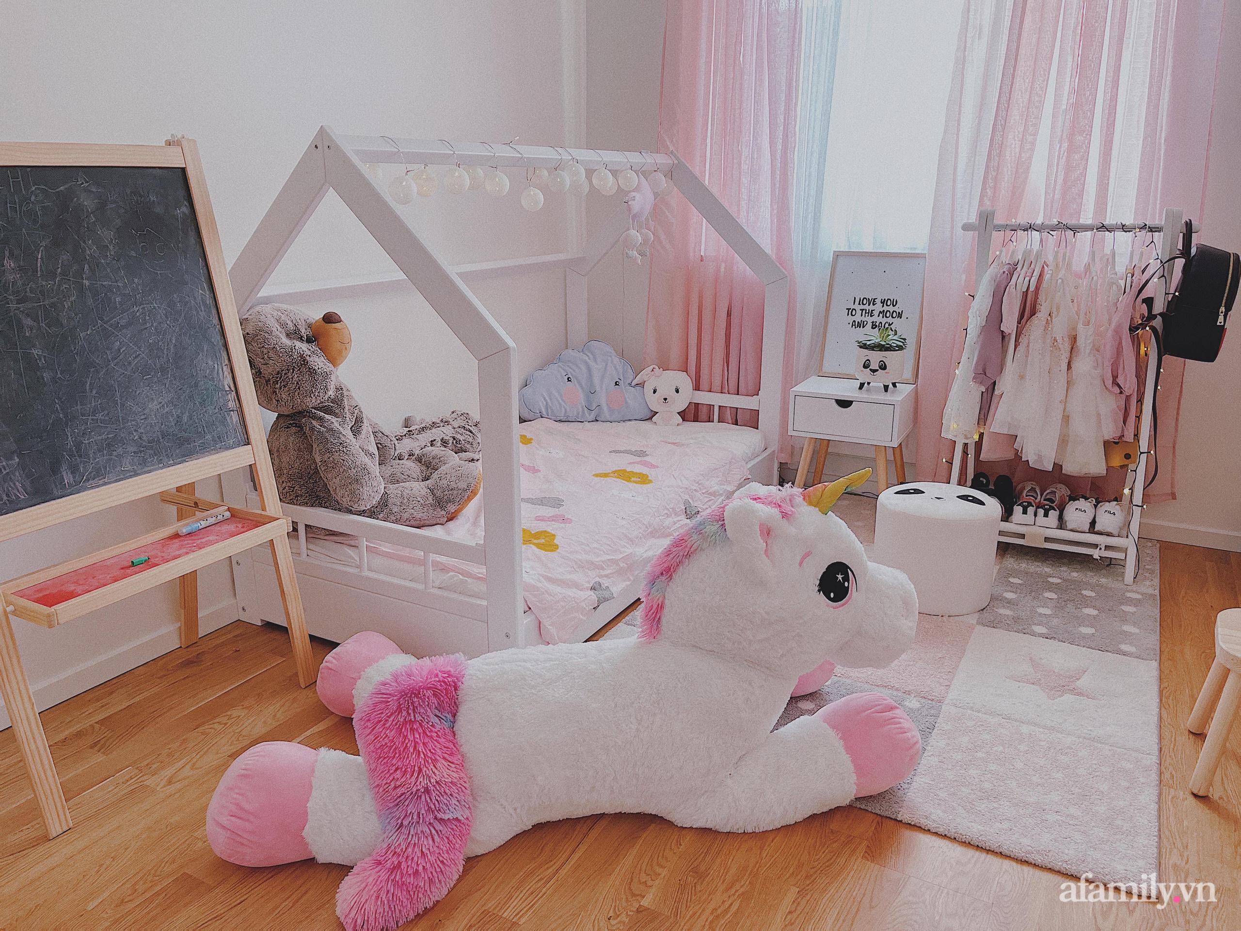 """Căn phòng màu hồng ngọt ngào """"lịm tim"""" bố mẹ thiết kế dành tặng con gái 3 tuổi - Ảnh 2."""