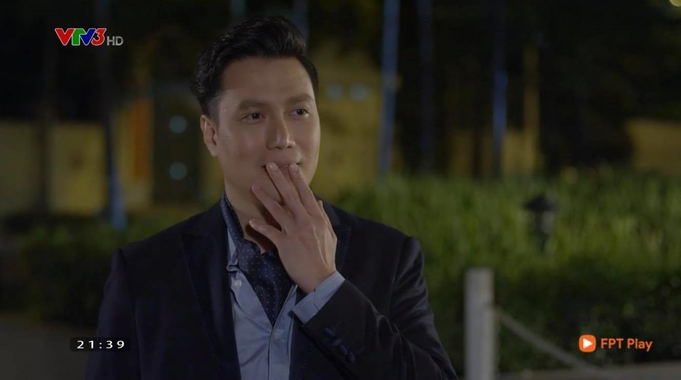Hướng dương ngược nắng: Minh lộ mặt thích thú sau khi hôn Hoàng, có chắc  yêu là đây?
