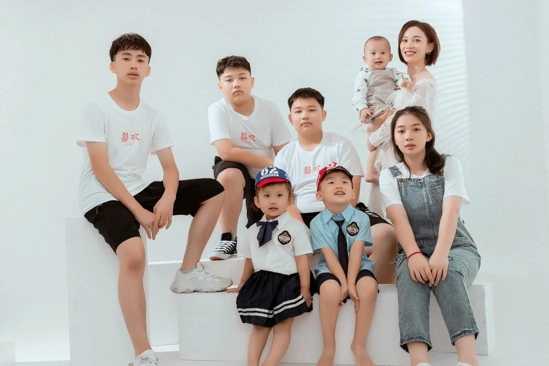 Nữ doanh nhân Trung Quốc chấp nhận nộp phạt để sinh 7 người con - Ảnh 1.