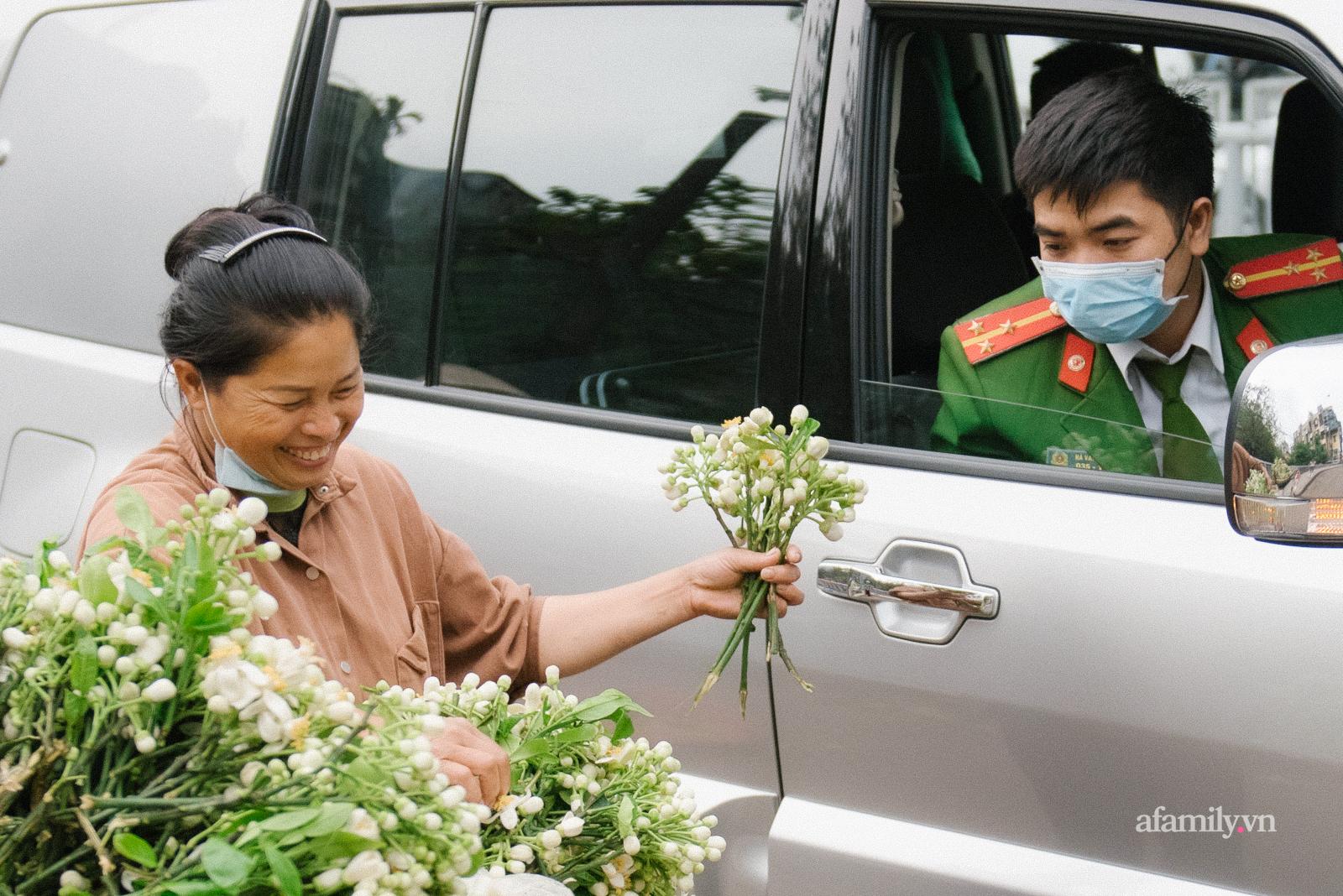 Hoa bưởi và khúc hoan ca với đồ ngọt Hà thành: Không chỉ là ăn, đó là nhâm nhi cả tinh hoa đất trời mùa xuân - Ảnh 3.