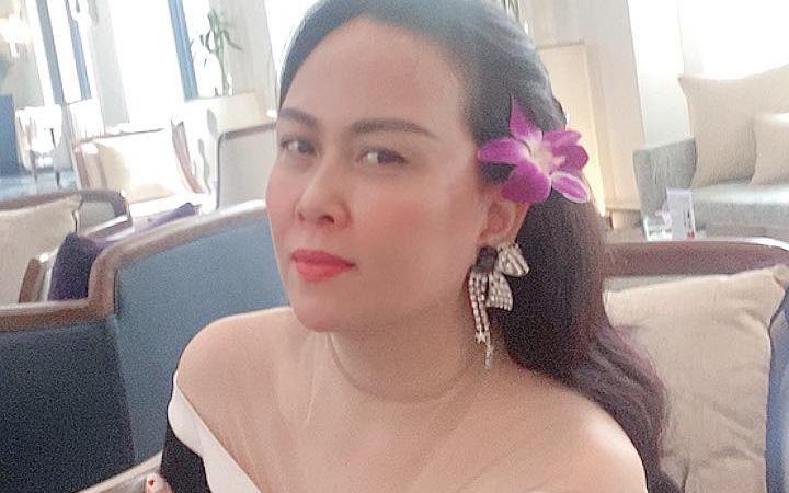 """Phượng Chanel ở tuổi 44 vẫn sở hữu làn da được khen """"trắng như bông bưởi"""""""
