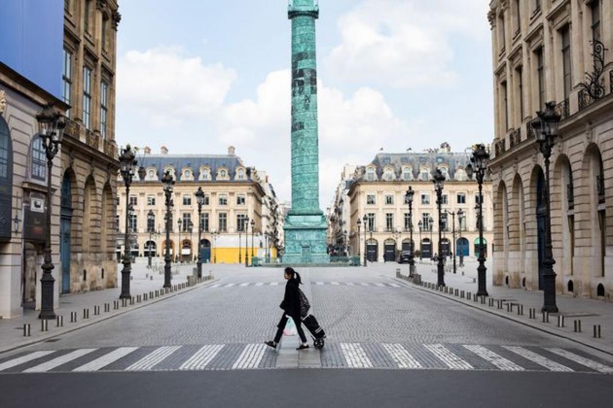 Đề xuất phong tỏa Paris 3 tuần bị chỉ trích nặng nề - Ảnh 1.