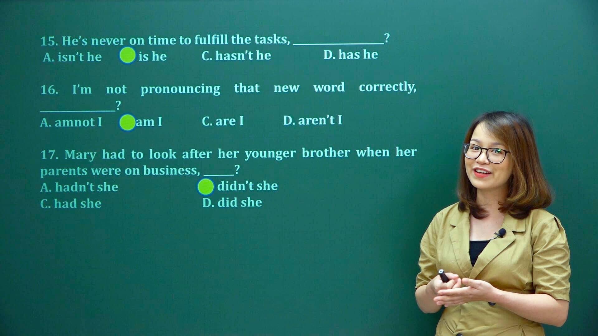 Cô giáo trẻ dạy tiếng Anh với đam mê ứng dụng công nghệ vào giảng dạy - Ảnh 1.