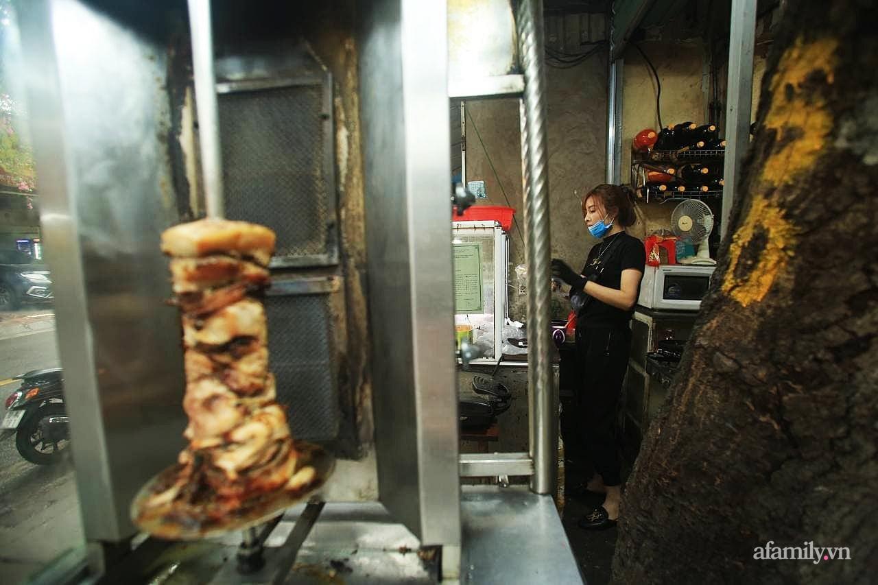 """Quán bánh mì nem khoai nổi tiếng Hà Nội bị tố chế biến bẩn, khách đánh giá 1 sao tới tấp vì """"khoai cũ, cháy khét, mất vệ sinh"""" nhưng chủ quán phản bác đầy bất ngờ - Ảnh 12."""