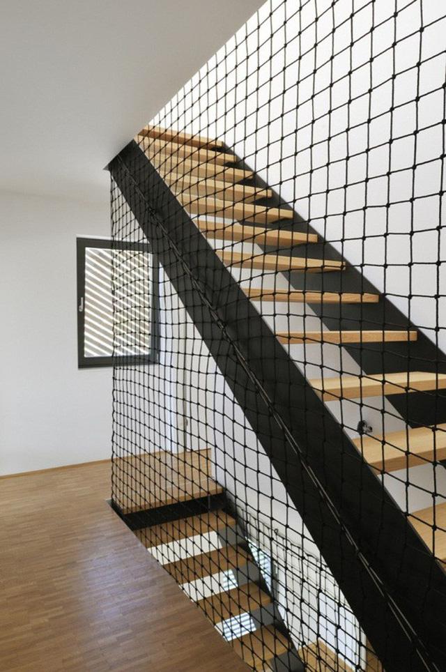 Ghim ngay các loại lưới, chắn an toàn cho trẻ nhỏ khi ở nhà cao tầng, chung cư - Ảnh 6.