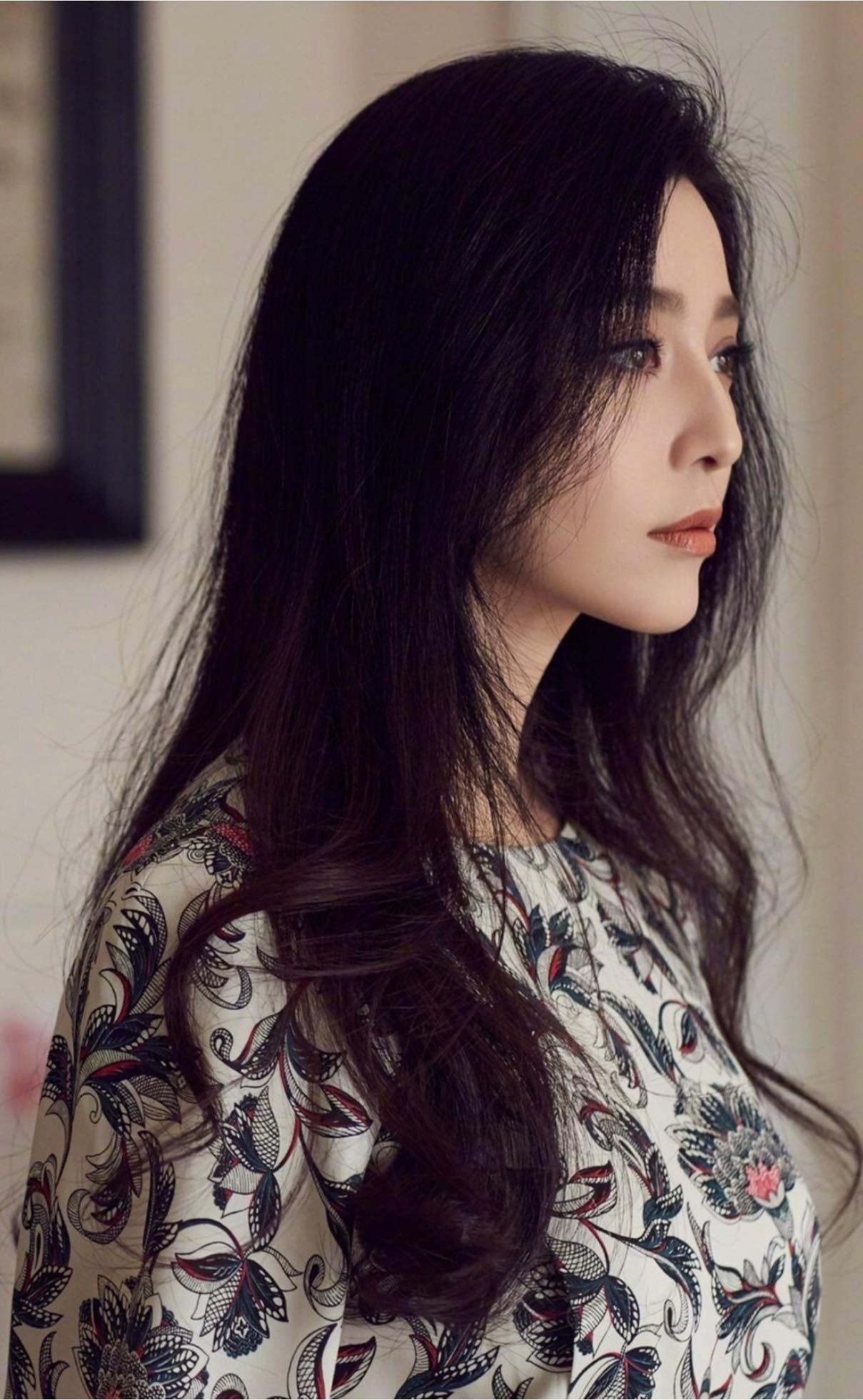 Đẳng cấp nhan sắc của Phạm Băng Băng được khẳng định chỉ nhờ mái tóc: Tóc buộc thùi sang chảnh xuất thần, tóc xõa kiêu xa bí ẩn - Ảnh 1.