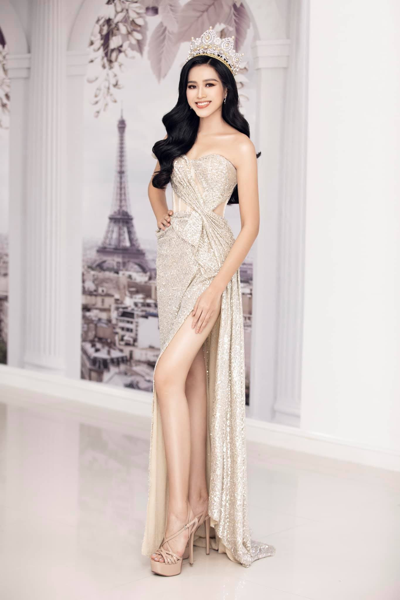 HH Đỗ Thị Hà luôn khoe đôi chân dài 1m11 và tỷ lệ 1/5 cực phẩm nhờ một kiểu váy đỉnh của chóp - Ảnh 6.