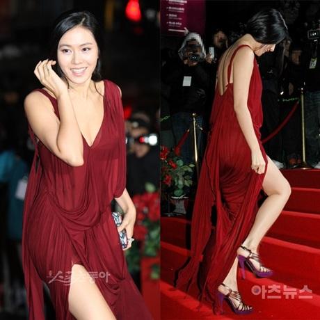 """4 lần gây bão nhất lịch sử thảm đỏ của Son Ye Jin: Không ngờ """"chị đẹp"""" từng có ngày kém sang đến vậy - Mix & Phối 5"""