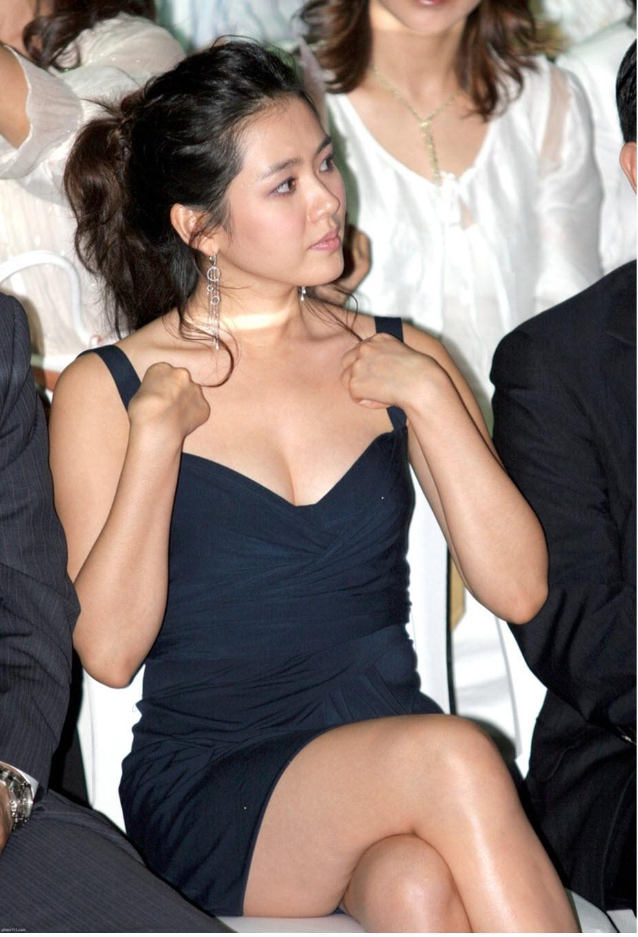"""4 lần gây bão nhất lịch sử thảm đỏ của Son Ye Jin: Không ngờ """"chị đẹp"""" từng có ngày kém sang đến vậy - Mix & Phối 7"""