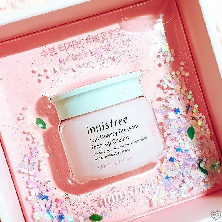 Muốn thật đẹp xinh mà không tốn thời gian makeup Tết này thì bạn hãy sắm ngay tone up cream - Ảnh 9.