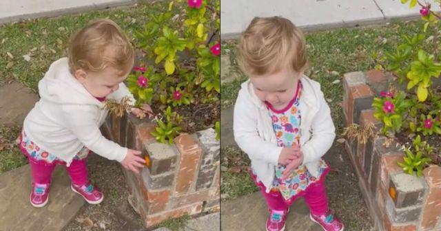 Bé gái đi đâu cũng có hành động xoa xoa như đang rửa tay, biết nguyên do có người phải bật khóc - Ảnh 4.