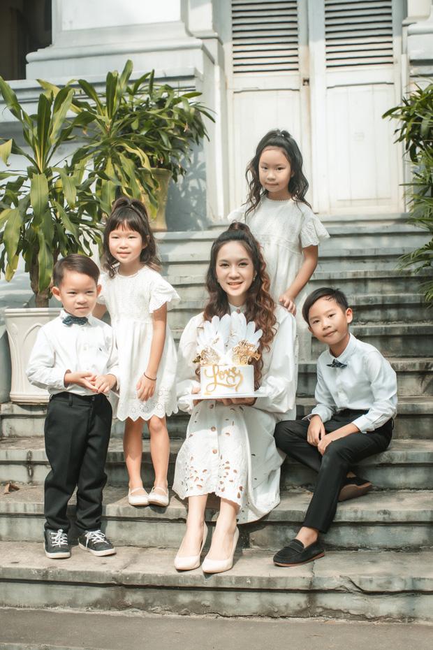 """Cái kết viên mãn của những mối tình lệch tuổi trong Vbiz: Lý Hải, Lam Trường hơn vợ 17 tuổi vẫn con cái đề huề, Bình Minh qua nhiều """"sóng gió"""" mới nhận """"quả ngọt"""" - Ảnh 2."""