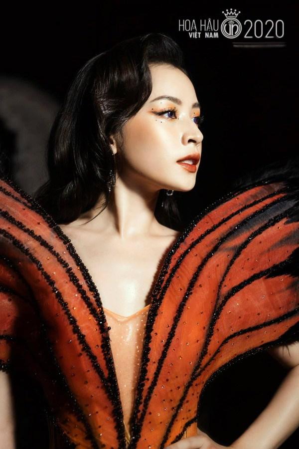 """Chi Pu từng bị chỉ trích vì đồ """"bướm đêm"""" nhạy cảm thì nay Phí Phương Anh cũng mặc tương tự - Ảnh 5."""