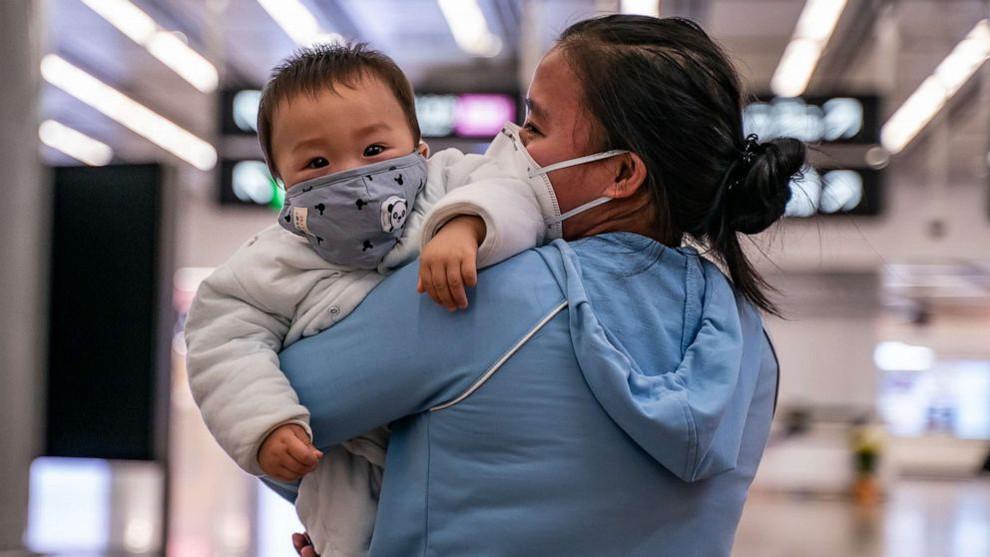 baby_wearing_protective_mask_hong_kong_getty_20020_hpmain_20200206_052746_16x9_992_zfrh.jpg