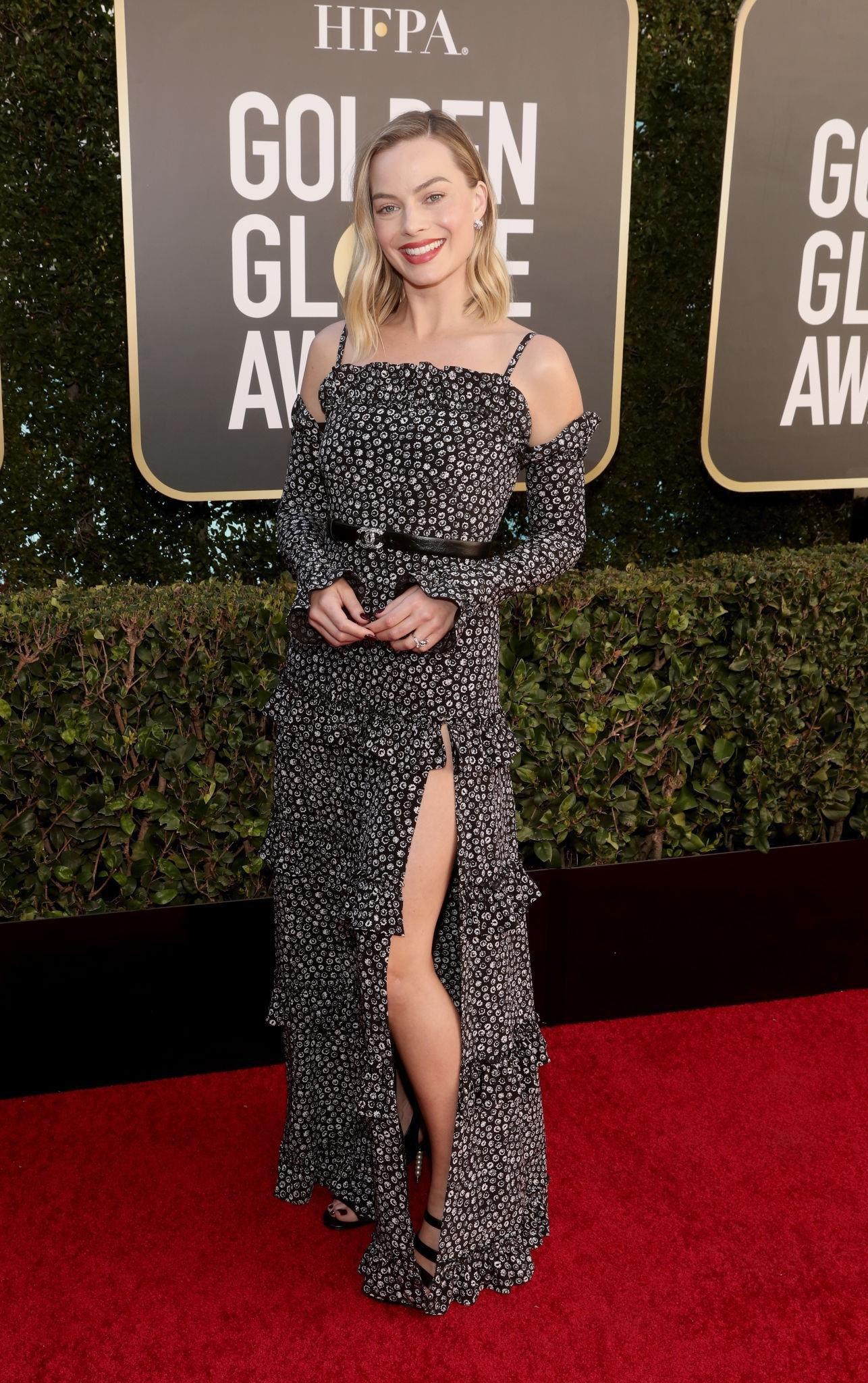 Thảm đỏ lạ nhất lịch sử Golden Globes: Harley Quinn dừ chát, Gal Gadot đẹp mê mẩn, nhìn Lily Collins còn choáng hơn - Ảnh 3.