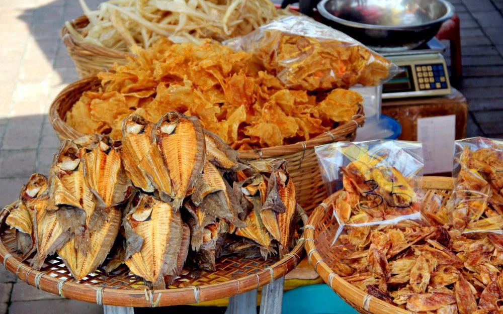 9 đặc sản đồ khô nổi tiếng miền Tây ngon khó cưỡng